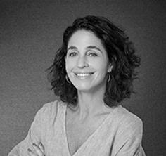 LAURA MUCHNIK - PRESIDENT AND FOUNDER